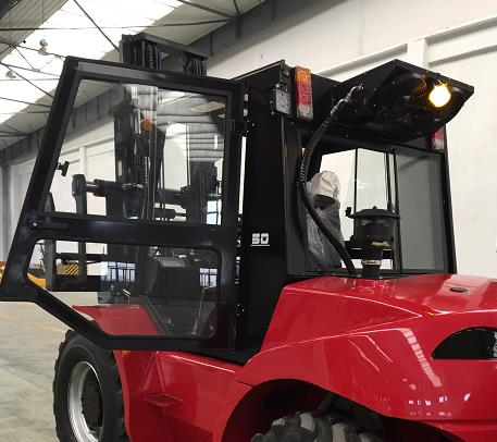 Royal_T50P_5_Tonne_Rough_Terrain_Forklift 10