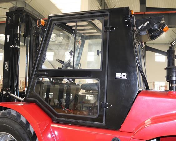 Royal_T50P_5_Tonne_Rough_Terrain_Forklift 7