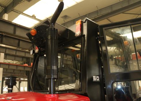 Royal_T50P_5_Tonne_Rough_Terrain_Forklift 9